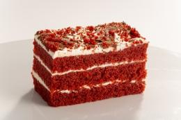 DESSERT RED VELVET CAKE SLICE
